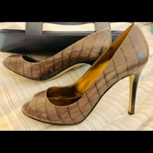 Enzo Angiolini Gray Crocodile Leather Heels